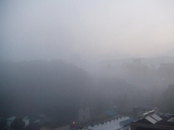 朝靄の奈良101212