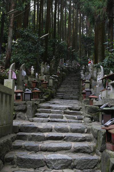 宝山寺の地蔵111026