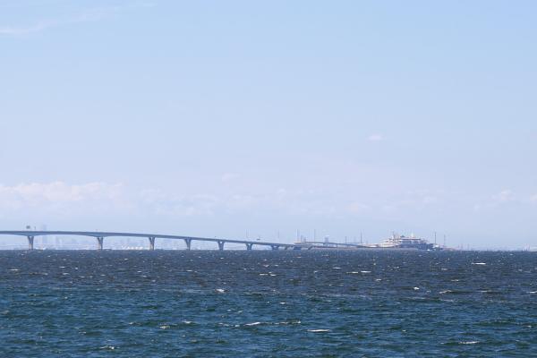 アクアラインと海ほたる110929