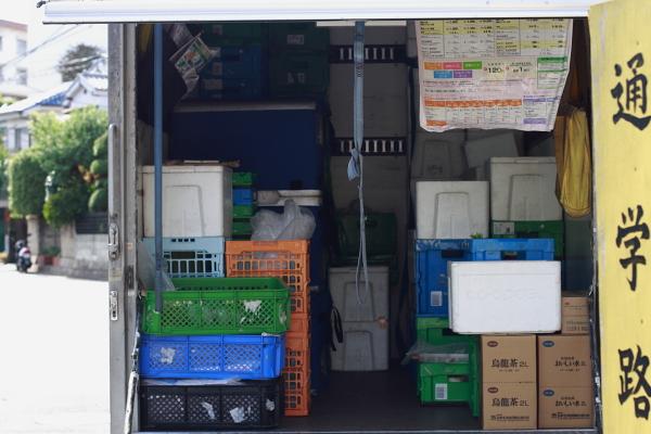 生協のトラック111023