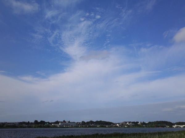 雲と青い空110804