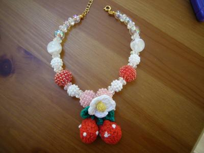 イチゴのネックレス