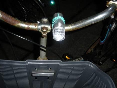 自家用自転車に付けたライト