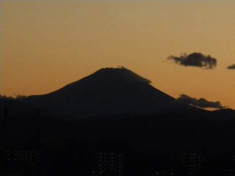 台風一過の夕焼け富士