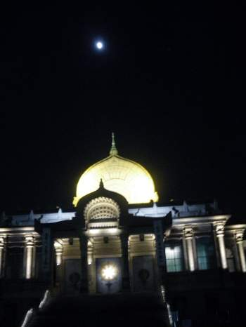 築地本願寺の夜