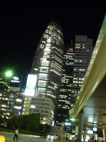 新宿西口の夜