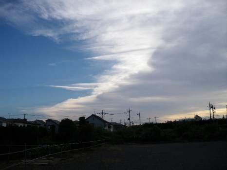 夏の初めの雲
