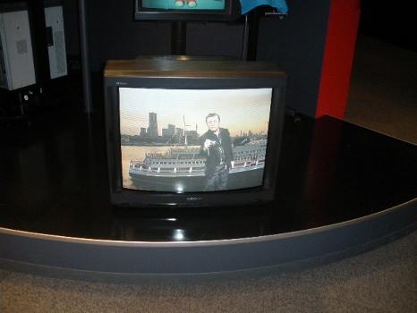 クロマキーによる合成イテレビ画面