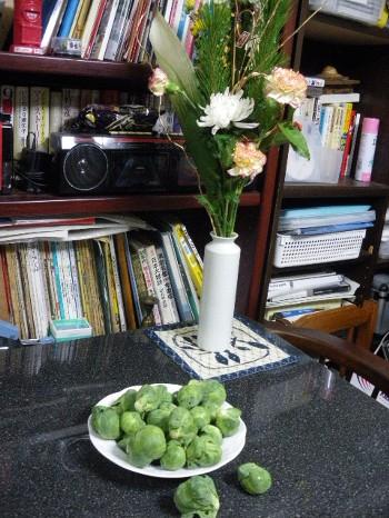 お正月の花と芽キャベツ