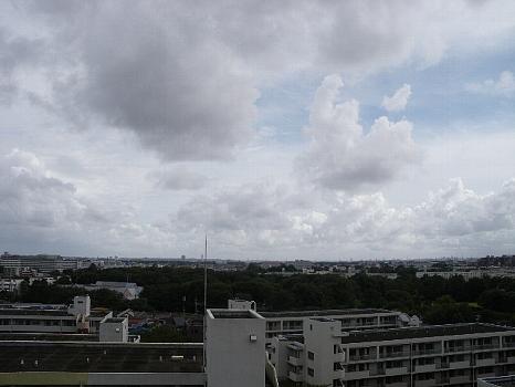 台風12号の余波の雲