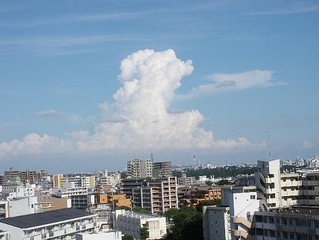 夏も終わりの入道雲よ