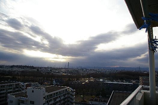 曇天の寒空