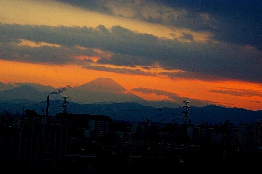 雲掛る富士
