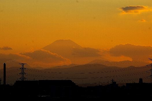 雲の上の冬富士