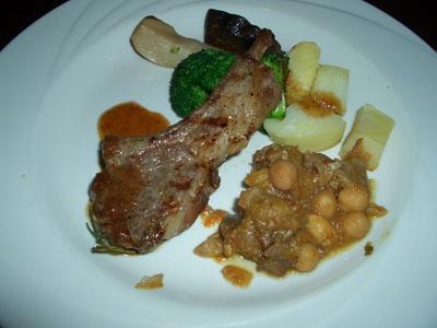 肉料理(仔羊とイノシシ)