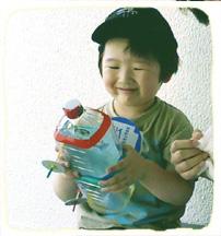 2011.3.2.ペットボトルバス喜ぶ健