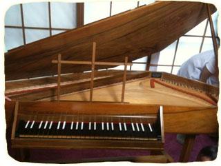 2011.8.22.古典楽器チェンバロIMG_ のコピー
