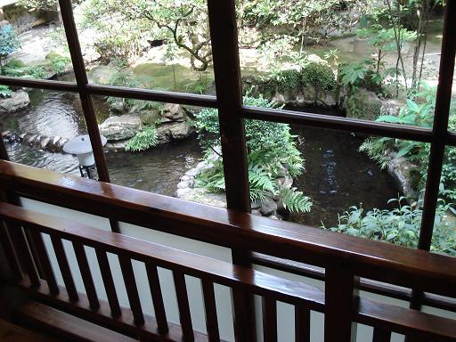人吉旅館 窓