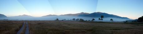 朝の尾瀬ヶ原