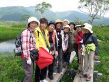 景鶴山を背景に