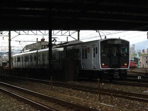 20120204試運転白い817 (1)