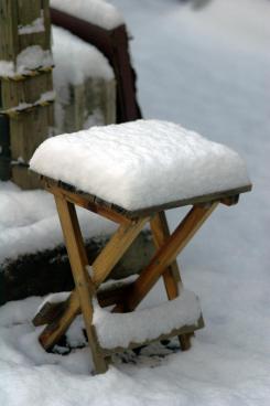 裏庭積り雪
