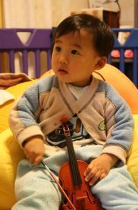 バイオリンも弾くよ!? 20090206