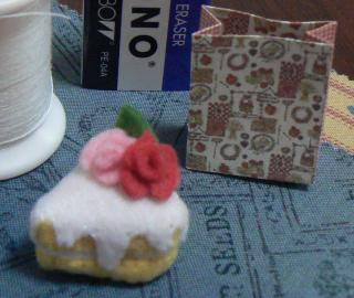 ハート型バラのケーキ