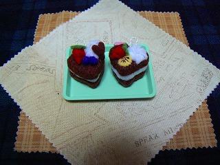 ハートのチョコレートケーキ2種