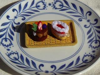 タルトショコラフリュイとフランボワーズケーキ