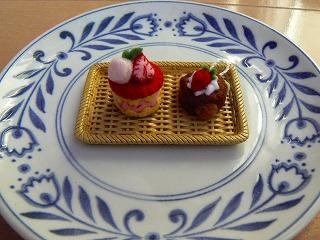 マカロンのケーキ2種