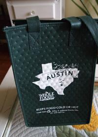 ホールフーズの保冷バッグ