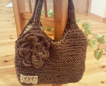 ガーター編みのバッグ