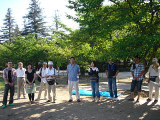 平成22年8月8日姫路城清掃会2