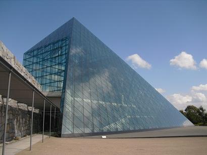 平成22年9月27日ガラスのピラミッド