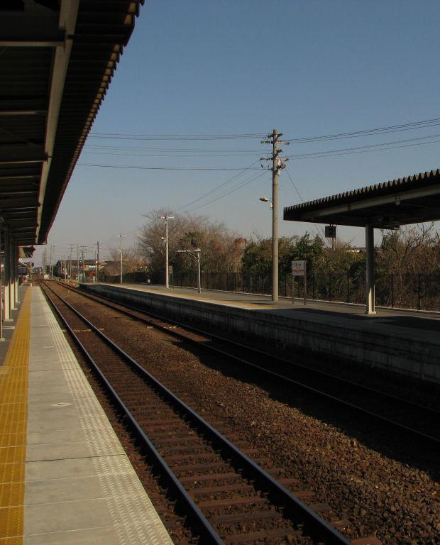 衣浦臨海鉄道碧南線の駅でもあります