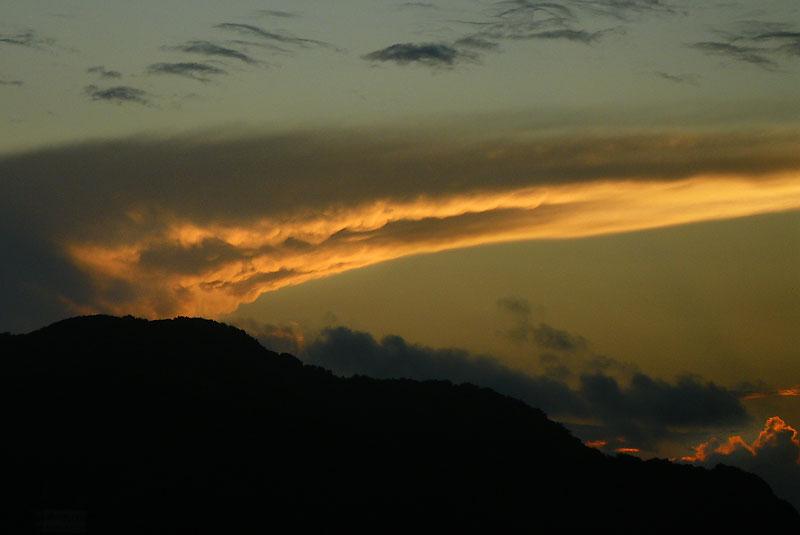 090804ツノ雲2