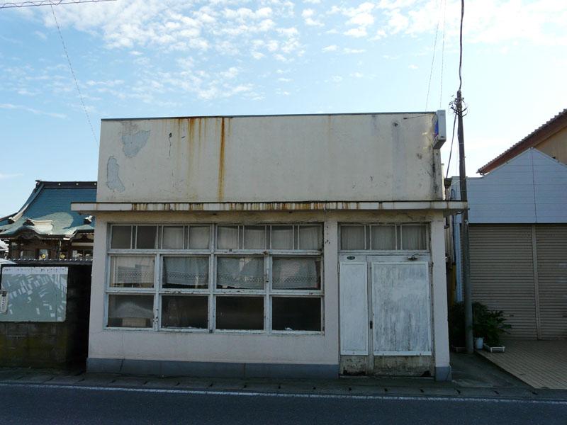 091121館山のレトロな理容室3