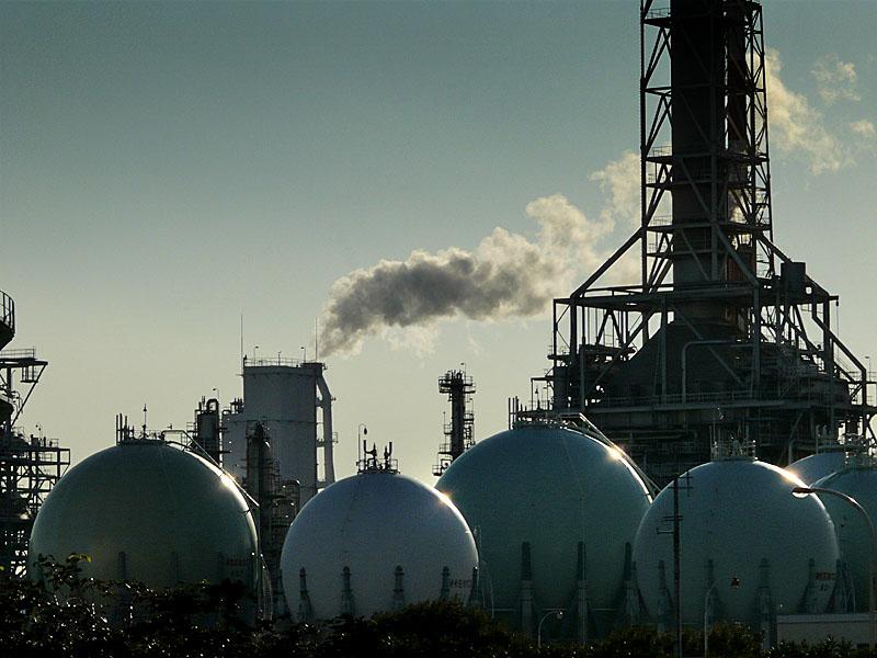 新日本石油精製根岸製油所1