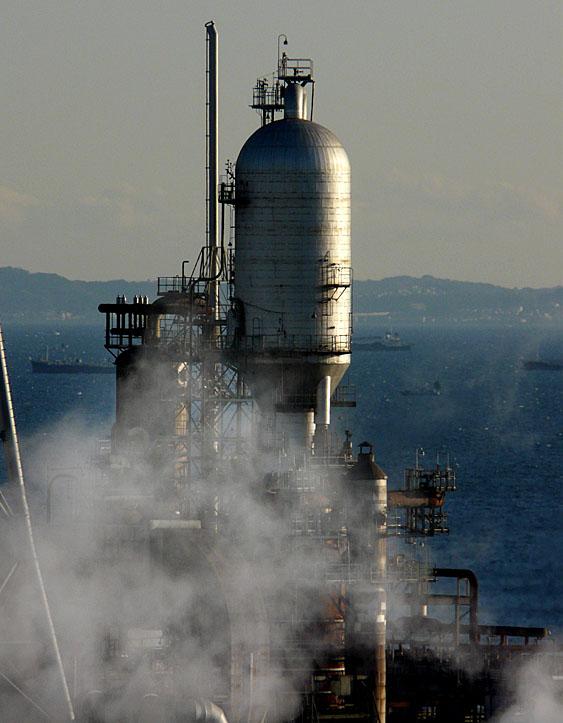 新日本石油精製根岸製油所2
