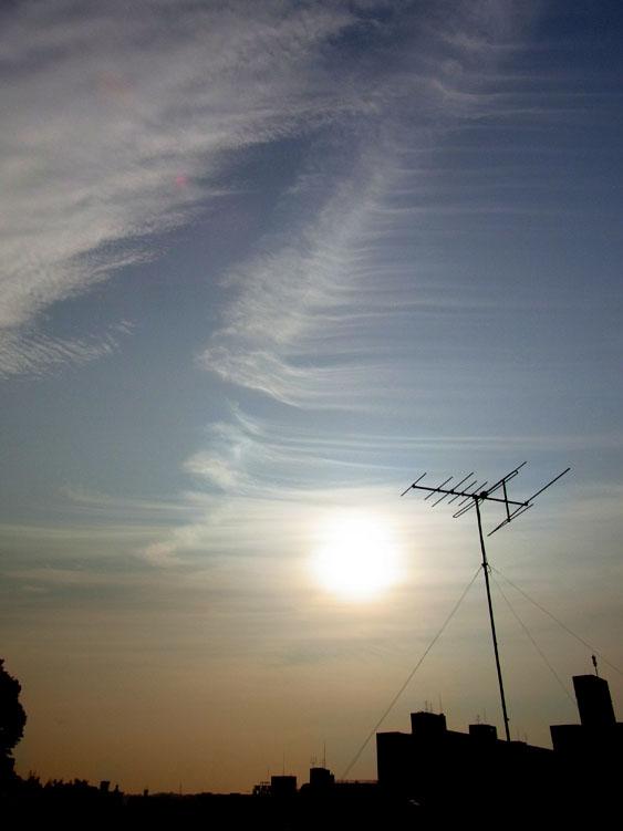 101112刷毛で掃いたような雲2