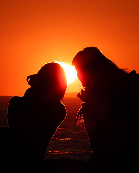 101223Silhouette on sunset1