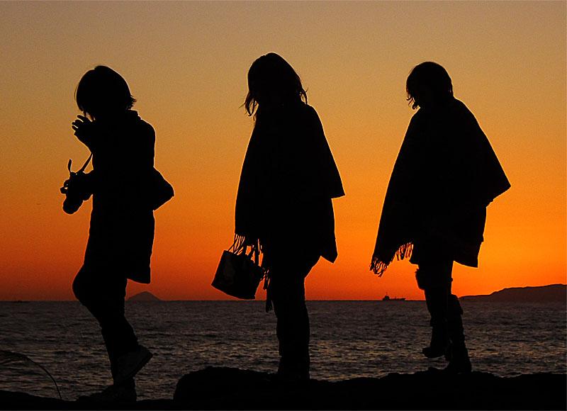 101223Silhouette on sunset3