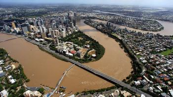 145086-swollen-brisbane-river-queensland-floods_convert_20110113120339.jpg