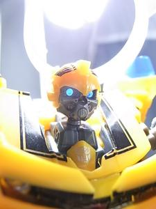 TF AA-02 BATTLE BLADE BUMBLEBEE 1008