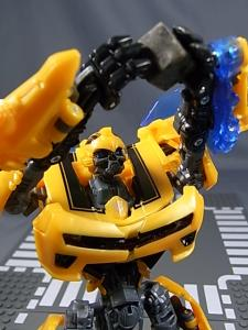 TF AA-02 BATTLE BLADE BUMBLEBEE 1012