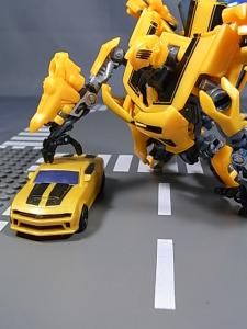 TF AA-02 BATTLE BLADE BUMBLEBEE 1021