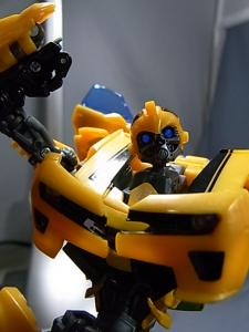 TF AA-02 BATTLE BLADE BUMBLEBEE 1024