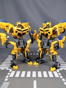 TF AA-02 BATTLE BLADE BUMBLEBEE 1028