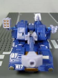 UN-10 ストラクサス 1007